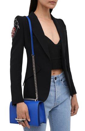 Женская сумка ALEXANDER MCQUEEN синего цвета, арт. 657176/CM00Y | Фото 2 (Ремень/цепочка: На ремешке; Материал: Натуральная кожа; Размер: small; Сумки-технические: Сумки через плечо)