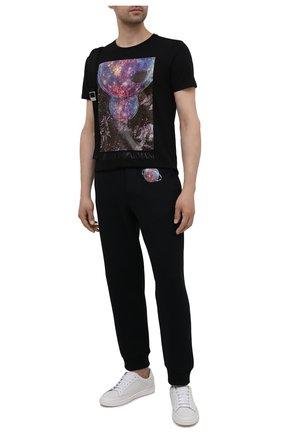 Мужские хлопковые джоггеры EMPORIO ARMANI черного цвета, арт. 6K1P8Q/1JM3Z | Фото 2 (Материал внешний: Хлопок; Длина (брюки, джинсы): Стандартные; Силуэт М (брюки): Джоггеры; Стили: Спорт-шик; Мужское Кросс-КТ: Брюки-трикотаж)
