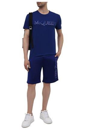 Мужская хлопковая футболка ALEXANDER MCQUEEN синего цвета, арт. 649876/QRZ56 | Фото 2 (Материал внешний: Хлопок; Рукава: Короткие; Стили: Кэжуэл; Длина (для топов): Стандартные)