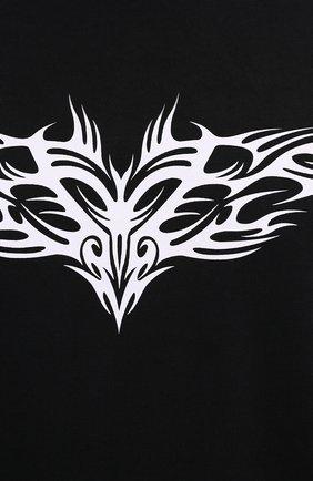 Мужская хлопковый лонгслив VETEMENTS черного цвета, арт. UA52TR590B 1604/M   Фото 5 (Рукава: Длинные; Стили: Панк; Принт: С принтом; Длина (для топов): Удлиненные; Материал внешний: Хлопок)