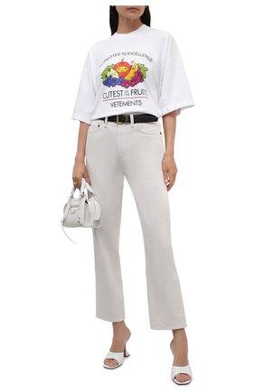 Женская хлопковая футболка VETEMENTS белого цвета, арт. UA52TR360W 1611/W | Фото 2