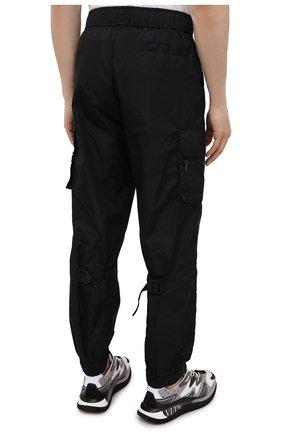 Мужские джоггеры VALENTINO черного цвета, арт. WV3REB216FN | Фото 4 (Длина (брюки, джинсы): Стандартные; Материал внешний: Синтетический материал; Стили: Гранж; Силуэт М (брюки): Джоггеры)