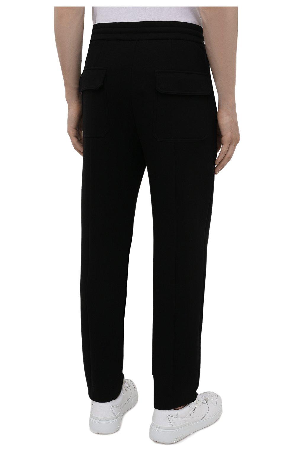 Мужские хлопковые брюки EMPORIO ARMANI черного цвета, арт. 6K1P67/1JHSZ | Фото 4 (Мужское Кросс-КТ: Брюки-трикотаж; Длина (брюки, джинсы): Стандартные; Кросс-КТ: Спорт; Материал внешний: Хлопок; Стили: Спорт-шик)