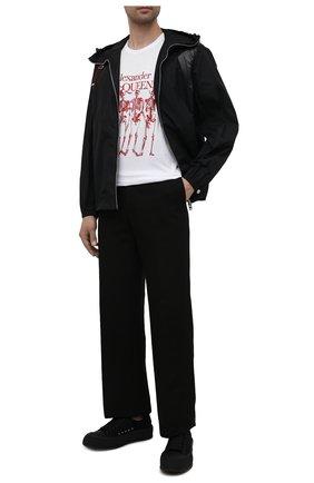 Мужская хлопковая футболка ALEXANDER MCQUEEN белого цвета, арт. 662547/QRZ61 | Фото 2 (Материал внешний: Хлопок; Принт: С принтом; Стили: Панк; Рукава: Короткие; Длина (для топов): Стандартные)