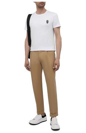 Мужская хлопковая футболка ALEXANDER MCQUEEN белого цвета, арт. 662486/QRX04 | Фото 2 (Длина (для топов): Стандартные; Рукава: Короткие; Материал внешний: Хлопок; Принт: Без принта; Стили: Панк)