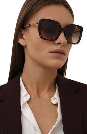 Женские солнцезащитные очки BURBERRY коричневого цвета, арт. 4323-385413   Фото 2 (Тип очков: С/з)