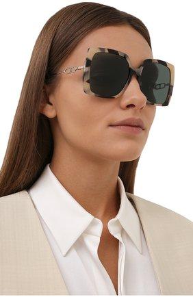 Женские солнцезащитные очки BURBERRY зеленого цвета, арт. 4332-350171   Фото 2