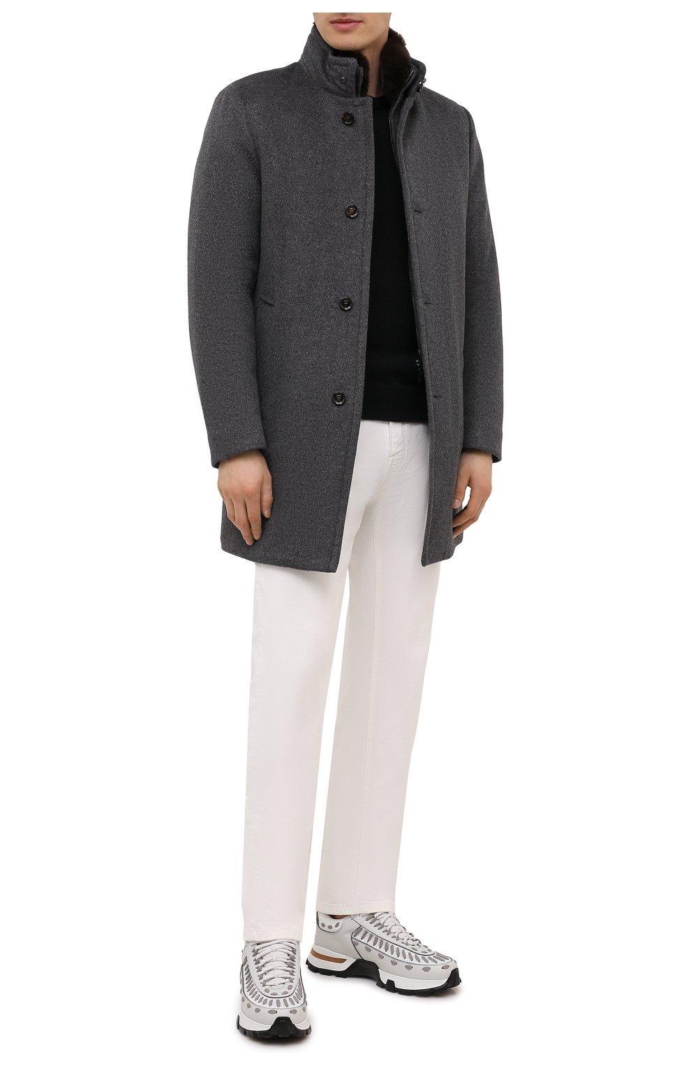 Мужской пальто из шерсти и кашемира bond-fur-le MOORER светло-серого цвета, арт. B0ND-FUR-LE/M0UG2100131-TEPA209   Фото 2 (Материал внешний: Шерсть; Рукава: Длинные; Длина (верхняя одежда): До середины бедра; Стили: Классический; Материал подклада: Синтетический материал; Мужское Кросс-КТ: пальто-верхняя одежда; Материал утеплителя: Пух и перо)