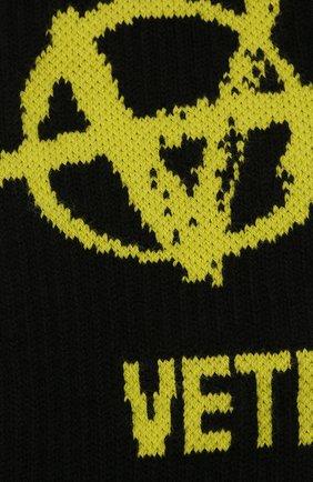 Мужские хлопковые носки VETEMENTS черного цвета, арт. UA52S0300X 2906/M | Фото 2 (Материал внешний: Хлопок; Кросс-КТ: бельё)