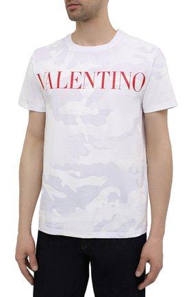 Мужская хлопковая футболка VALENTINO белого цвета, арт. WV3MG10V7NM | Фото 3 (Рукава: Короткие; Длина (для топов): Стандартные; Принт: С принтом; Стили: Милитари, Кэжуэл; Материал внешний: Хлопок)