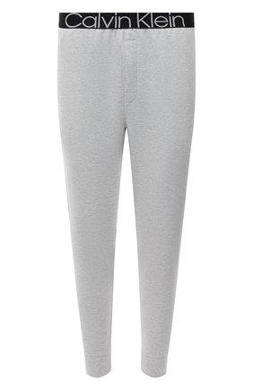 Мужские домашние джоггеры CALVIN KLEIN серого цвета, арт. NM2092E   Фото 1 (Материал внешний: Хлопок, Синтетический материал; Длина (брюки, джинсы): Укороченные; Кросс-КТ: домашняя одежда)