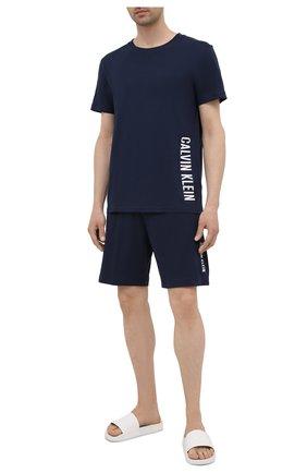 Мужские хлопковые шорты CALVIN KLEIN темно-синего цвета, арт. KM0KM00602 | Фото 2