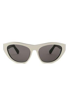 Женские солнцезащитные очки GCDS черно-белого цвета, арт. GD0010 21A | Фото 4 (Тип очков: С/з; Очки форма: Cat-eye; Оптика Гендер: оптика-унисекс)