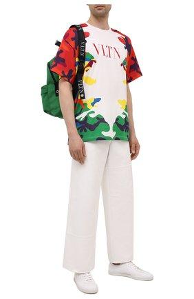 Мужская хлопковая футболка VALENTINO разноцветного цвета, арт. WV3MG08I7NQ | Фото 2 (Материал внешний: Хлопок; Принт: С принтом; Рукава: Короткие; Стили: Спорт-шик; Длина (для топов): Стандартные)