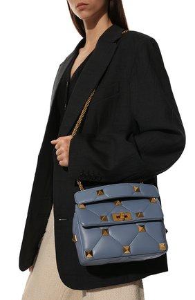 Женская сумка roman stud medium VALENTINO голубого цвета, арт. WW2B0I82/BSF | Фото 2