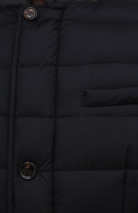 Мужская пуховая куртка zayn-op MOORER темно-синего цвета, арт. ZAYN-0P/M0UGI100307-TEPA017 | Фото 5 (Кросс-КТ: Куртка; Мужское Кросс-КТ: пуховик-короткий; Рукава: Длинные; Материал внешний: Синтетический материал; Материал подклада: Синтетический материал; Длина (верхняя одежда): Короткие; Материал утеплителя: Пух и перо; Стили: Кэжуэл)