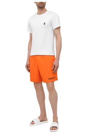 Мужские плавки-шорты CALVIN KLEIN оранжевого цвета, арт. KM0KM00552   Фото 2 (Материал внешний: Синтетический материал)