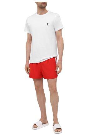 Мужские плавки-шорты CALVIN KLEIN красного цвета, арт. KM0KM00556   Фото 2 (Материал внешний: Синтетический материал; Принт: Без принта)