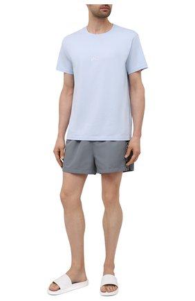 Мужские плавки-шорты CALVIN KLEIN серого цвета, арт. KM0KM00557   Фото 2 (Материал внешний: Синтетический материал; Принт: Без принта)