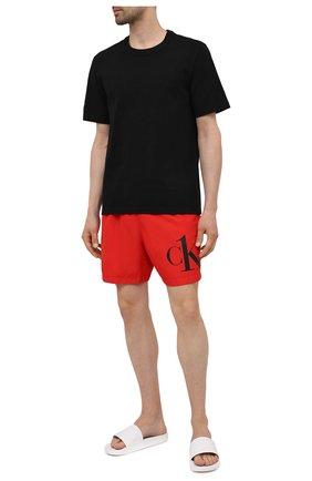 Мужские плавки-шорты CALVIN KLEIN красного цвета, арт. KM0KM00590 | Фото 2