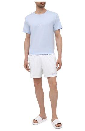 Мужские плавки-шорты CALVIN KLEIN белого цвета, арт. KM0KM00645 | Фото 2 (Материал внешний: Синтетический материал)