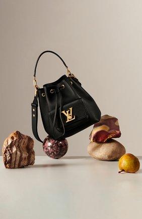 Женская сумка lockme bucket LOUIS VUITTON черного цвета, арт. M57687 | Фото 2