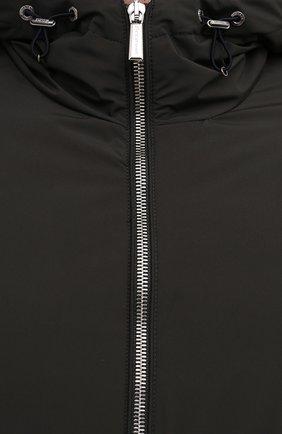 Мужской пуховый бомбер oniro-stp MOORER темно-зеленого цвета, арт. 0NIR0-STP/M0UGI100500-TEPA023   Фото 5 (Кросс-КТ: Куртка; Мужское Кросс-КТ: пуховик-короткий; Рукава: Длинные; Принт: Без принта; Материал внешний: Синтетический материал; Материал подклада: Синтетический материал; Длина (верхняя одежда): Короткие; Материал утеплителя: Пух и перо; Стили: Кэжуэл)