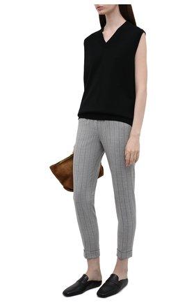 Женские шерстяные брюки KITON серого цвета, арт. D50105K0548A   Фото 2