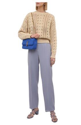 Женский свитер из кашемира и шелка BRUNELLO CUCINELLI бежевого цвета, арт. M5D322100   Фото 2 (Материал внешний: Шерсть, Кашемир; Длина (для топов): Стандартные; Рукава: Длинные; Стили: Кэжуэл; Женское Кросс-КТ: Свитер-одежда)