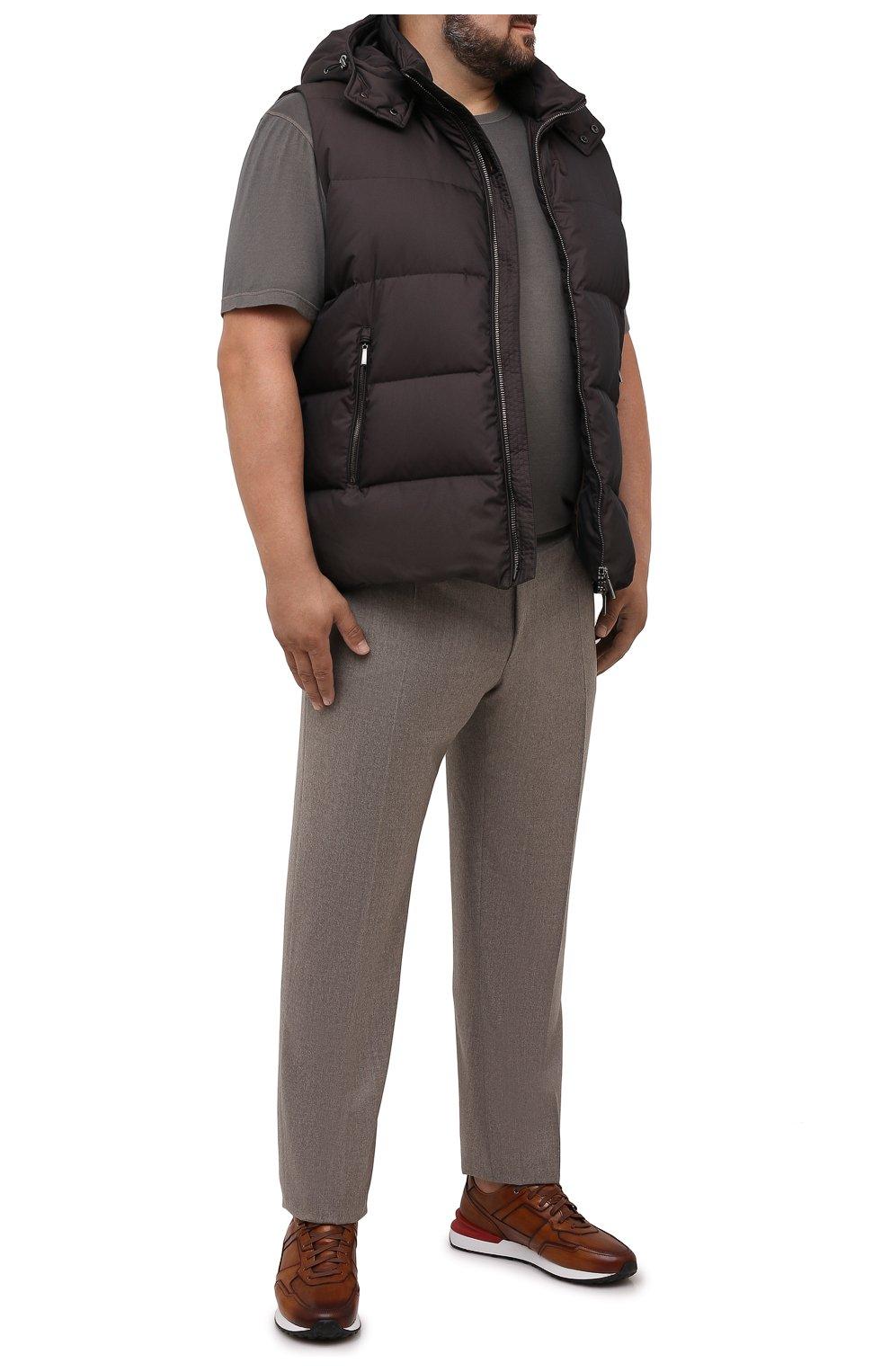 Мужской пуховый жилет fayer-wk MOORER коричневого цвета, арт. FAYER-WK/M0UGI100180-TEPA022/60-68   Фото 2 (Кросс-КТ: Куртка, Пуховик; Материал внешний: Синтетический материал; Материал подклада: Синтетический материал; Длина (верхняя одежда): Короткие; Стили: Кэжуэл)