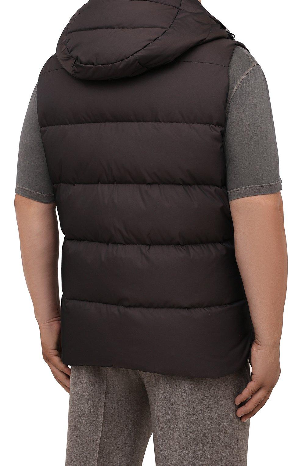 Мужской пуховый жилет fayer-wk MOORER коричневого цвета, арт. FAYER-WK/M0UGI100180-TEPA022/60-68   Фото 4 (Кросс-КТ: Куртка, Пуховик; Материал внешний: Синтетический материал; Материал подклада: Синтетический материал; Длина (верхняя одежда): Короткие; Стили: Кэжуэл)