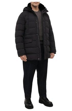Мужская пуховик с меховой отделкой saturno-stp MOORER черного цвета, арт. SATURN0-STP/M0UGI100271-TEPA023 | Фото 2 (Кросс-КТ: Куртка, Пуховик; Мужское Кросс-КТ: пуховик-короткий; Рукава: Длинные; Длина (верхняя одежда): До середины бедра; Материал внешний: Синтетический материал; Стили: Классический, Кэжуэл; Материал подклада: Синтетический материал; Материал утеплителя: Пух и перо)