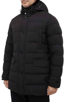 Мужская пуховик с меховой отделкой saturno-stp MOORER черного цвета, арт. SATURN0-STP/M0UGI100271-TEPA023 | Фото 3 (Кросс-КТ: Куртка, Пуховик; Мужское Кросс-КТ: пуховик-короткий; Рукава: Длинные; Длина (верхняя одежда): До середины бедра; Материал внешний: Синтетический материал; Стили: Классический, Кэжуэл; Материал подклада: Синтетический материал; Материал утеплителя: Пух и перо)