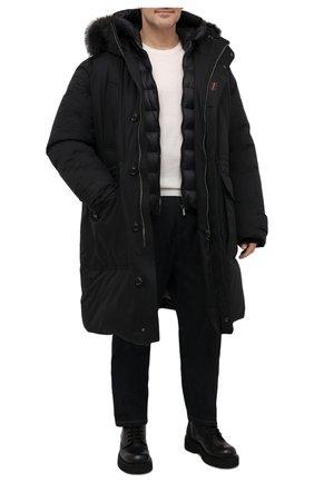 Мужская пуховик с меховой отделкой helsinky-ads MOORER черного цвета, арт. HELSINKY-ADS/M0UPA100019-TEPA011/60-68 | Фото 2 (Кросс-КТ: Куртка, Пуховик; Big sizes: Big Sizes; Мужское Кросс-КТ: пуховик-длинный; Рукава: Длинные; Длина (верхняя одежда): До колена; Материал внешний: Синтетический материал; Стили: Классический, Кэжуэл; Материал подклада: Синтетический материал; Материал утеплителя: Пух и перо)