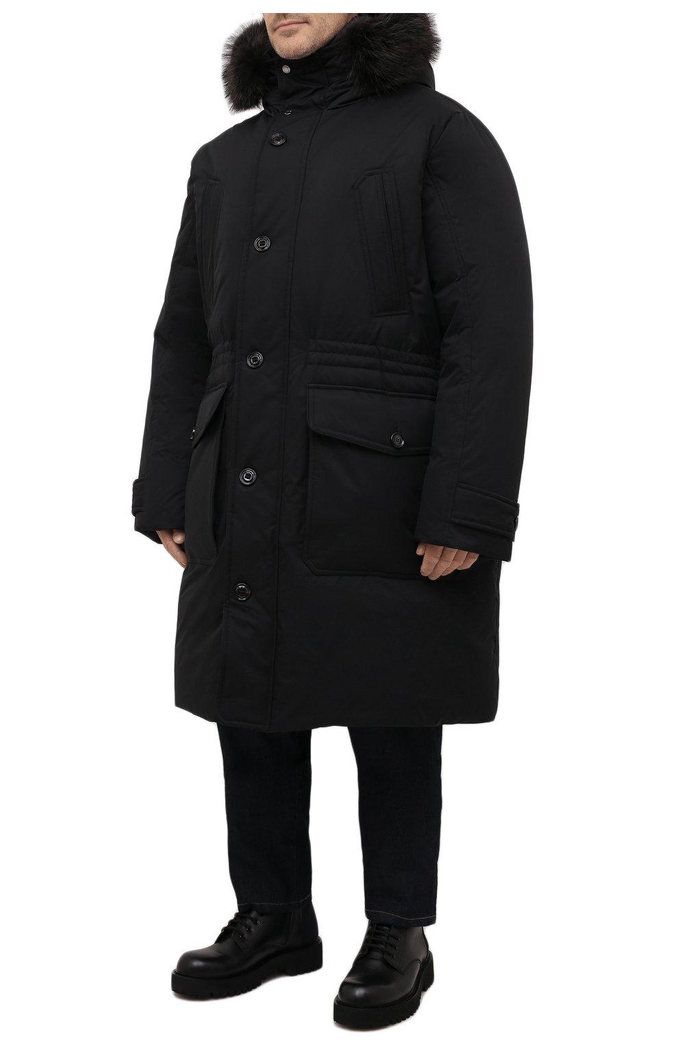 Мужская пуховик с меховой отделкой helsinky-ads MOORER черного цвета, арт. HELSINKY-ADS/M0UPA100019-TEPA011/60-68 | Фото 3 (Кросс-КТ: Куртка, Пуховик; Big sizes: Big Sizes; Мужское Кросс-КТ: пуховик-длинный; Рукава: Длинные; Длина (верхняя одежда): До колена; Материал внешний: Синтетический материал; Стили: Классический, Кэжуэл; Материал подклада: Синтетический материал; Материал утеплителя: Пух и перо)