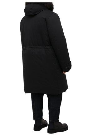 Мужская пуховик с меховой отделкой helsinky-ads MOORER черного цвета, арт. HELSINKY-ADS/M0UPA100019-TEPA011/60-68 | Фото 4 (Кросс-КТ: Куртка, Пуховик; Big sizes: Big Sizes; Мужское Кросс-КТ: пуховик-длинный; Рукава: Длинные; Длина (верхняя одежда): До колена; Материал внешний: Синтетический материал; Стили: Классический, Кэжуэл; Материал подклада: Синтетический материал; Материал утеплителя: Пух и перо)
