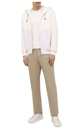 Мужская хлопковая футболка  BRUNELLO CUCINELLI белого цвета, арт. M0T611308 | Фото 2 (Материал внешний: Хлопок; Длина (для топов): Стандартные; Принт: Без принта; Стили: Кэжуэл; Рукава: Короткие)