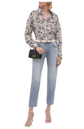 Женская шелковая рубашка BRUNELLO CUCINELLI бежевого цвета, арт. MD925RD306 | Фото 2 (Материал внешний: Шелк; Женское Кросс-КТ: Рубашка-одежда; Стили: Кэжуэл; Рукава: Длинные; Принт: С принтом; Длина (для топов): Удлиненные)