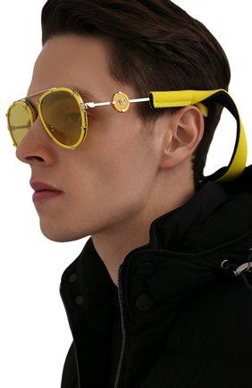 Женские солнцезащитные очки VERSACE желтого цвета, арт. 2232-14736D | Фото 3