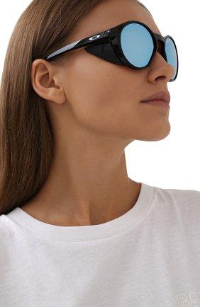 Женские солнцезащитные очки OAKLEY черного цвета, арт. 9440-944002 | Фото 2