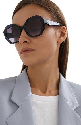 Женские солнцезащитные очки PRADA темно-сиреневого цвета, арт. 16WS-08Q08I | Фото 2 (Тип очков: С/з; Очки форма: Бабочка; Оптика Гендер: оптика-женское)