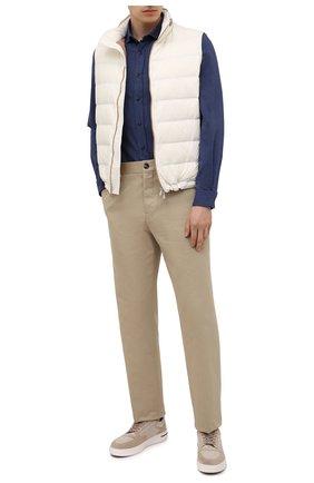Мужская хлопковая рубашка BRUNELLO CUCINELLI темно-синего цвета, арт. ML6913029 | Фото 2 (Материал внешний: Хлопок; Случай: Повседневный; Рукава: Длинные; Воротник: Кент; Стили: Кэжуэл; Длина (для топов): Стандартные; Манжеты: На пуговицах; Принт: Однотонные)