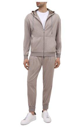 Мужской толстовка GIORGIO ARMANI светло-бежевого цвета, арт. 6KSB51/SJGBZ | Фото 2 (Рукава: Длинные; Длина (для топов): Стандартные; Материал подклада: Синтетический материал; Материал внешний: Синтетический материал; Мужское Кросс-КТ: Толстовка-одежда; Стили: Спорт-шик)