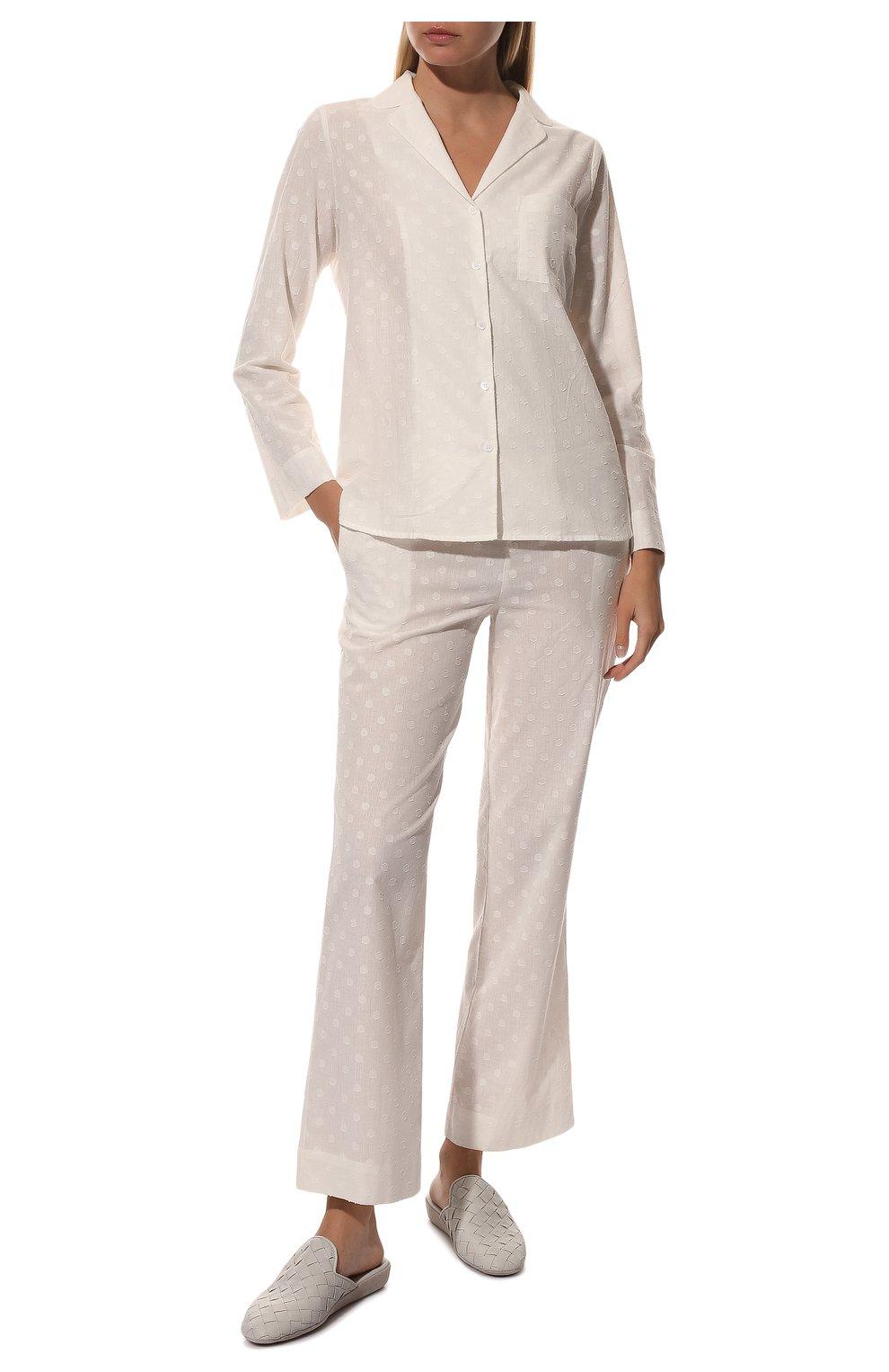 Женская хлопковая пижама YOLKE белого цвета, арт. SS21-02C-CJ-W | Фото 2 (Рукава: Длинные; Длина Ж (юбки, платья, шорты): Мини; Длина (брюки, джинсы): Стандартные; Длина (для топов): Стандартные; Материал внешний: Хлопок)