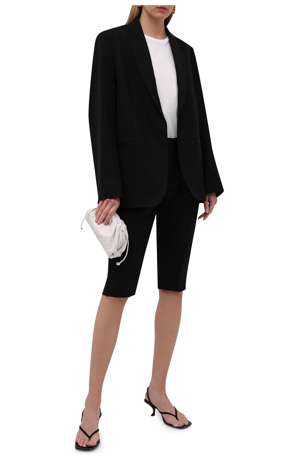Женские шорты из вискозы TOTÊME черного цвета, арт. 213-219-709   Фото 2 (Женское Кросс-КТ: Шорты-одежда; Длина Ж (юбки, платья, шорты): Миди; Материал внешний: Вискоза; Стили: Кэжуэл)