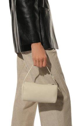 Женская сумка baguette small THE ROW кремвого цвета, арт. W1281L97 | Фото 2