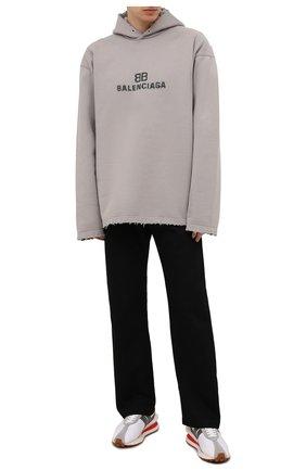 Мужской хлопковое худи BALENCIAGA светло-серого цвета, арт. 661711/TKVF6 | Фото 2 (Материал внешний: Хлопок; Стили: Спорт-шик; Мужское Кросс-КТ: Худи-одежда; Рукава: Длинные)