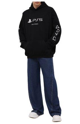 Мужской хлопковое худи BALENCIAGA черного цвета, арт. 651799/TKVF4 | Фото 2 (Материал внешний: Хлопок; Длина (для топов): Стандартные; Стили: Спорт-шик, Гранж; Рукава: Длинные; Мужское Кросс-КТ: Худи-одежда; Принт: С принтом)