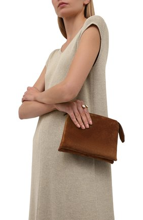 Женская сумка nu THE ROW коричневого цвета, арт. W1236L25 | Фото 2 (Материал: Натуральная кожа, Натуральная замша; Сумки-технические: Сумки через плечо; Размер: mini; Ремень/цепочка: На ремешке)
