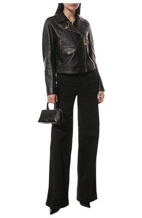 Женская кожаная куртка VERSACE черного цвета, арт. A85480/A233389 | Фото 2